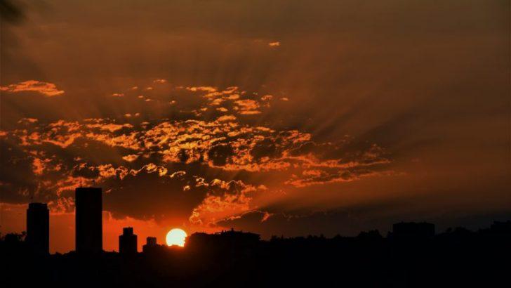 Güneşin batışında İstanbul