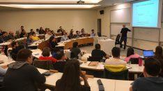 İş Dünyasının Liderleri Öğrencilerle Buluşuyor